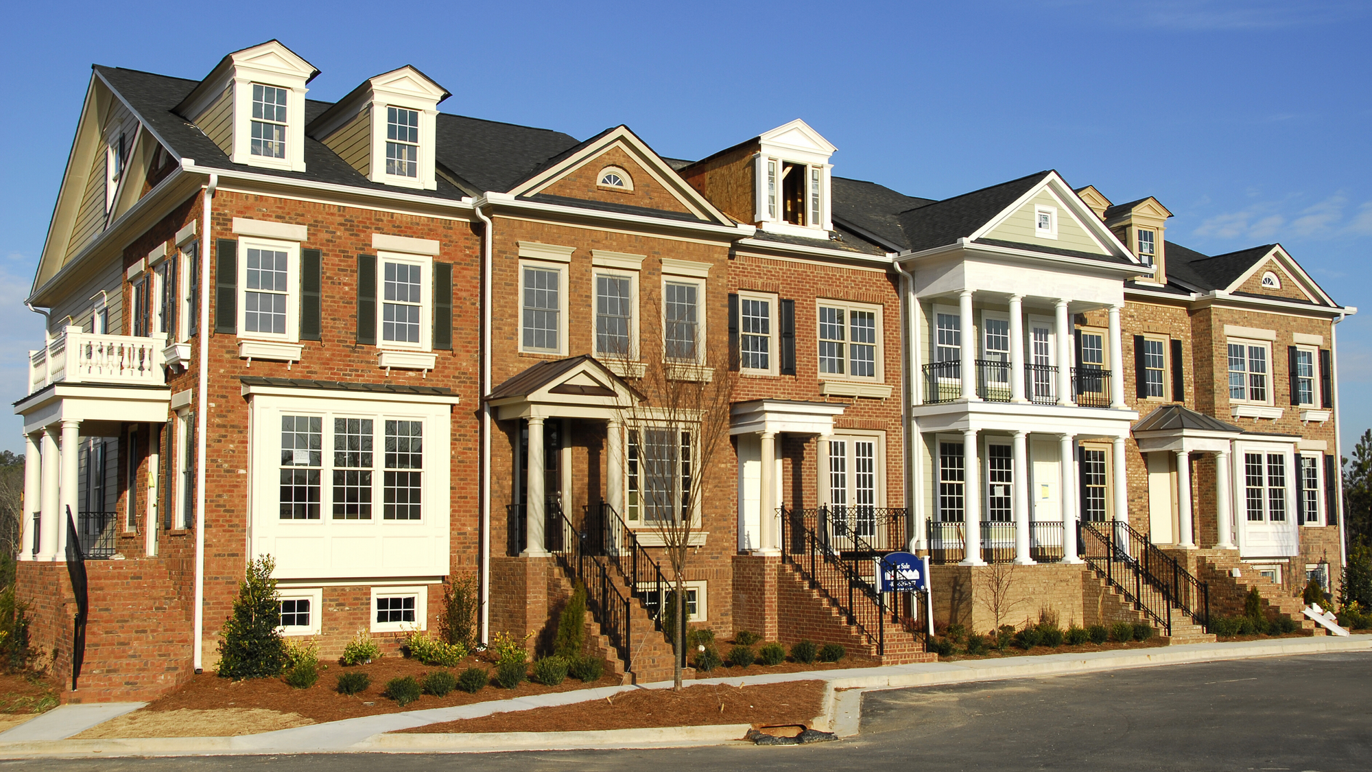 What You Must Know Before You Buy a Townhouse